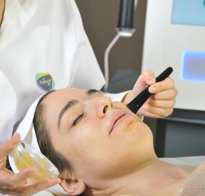 woman-receiving-pollogen-gel-treatment